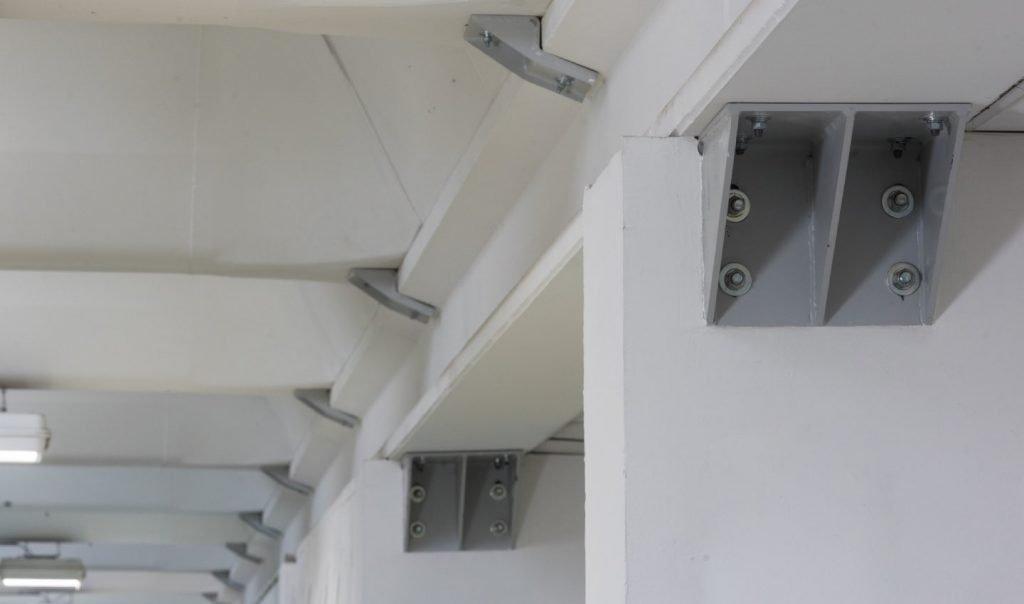 vincoli posati su struttura prefabbricata di proprietà dell'azienda Sandra Spa