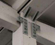 vincolo in acciaio di connessione tra pilastro e trave