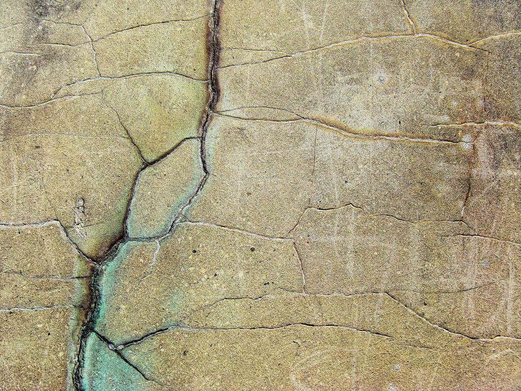 effetto del sisma su una porzione di parete in muratura