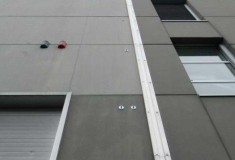 Fissaggio dei pannelli di tamponamento eseguito dall'esterno