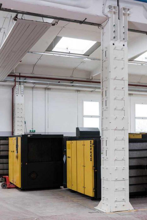 Intervento tramite incamiciatura in acciaio di pilastri per incrementarne la resistenza alle azioni sismiche