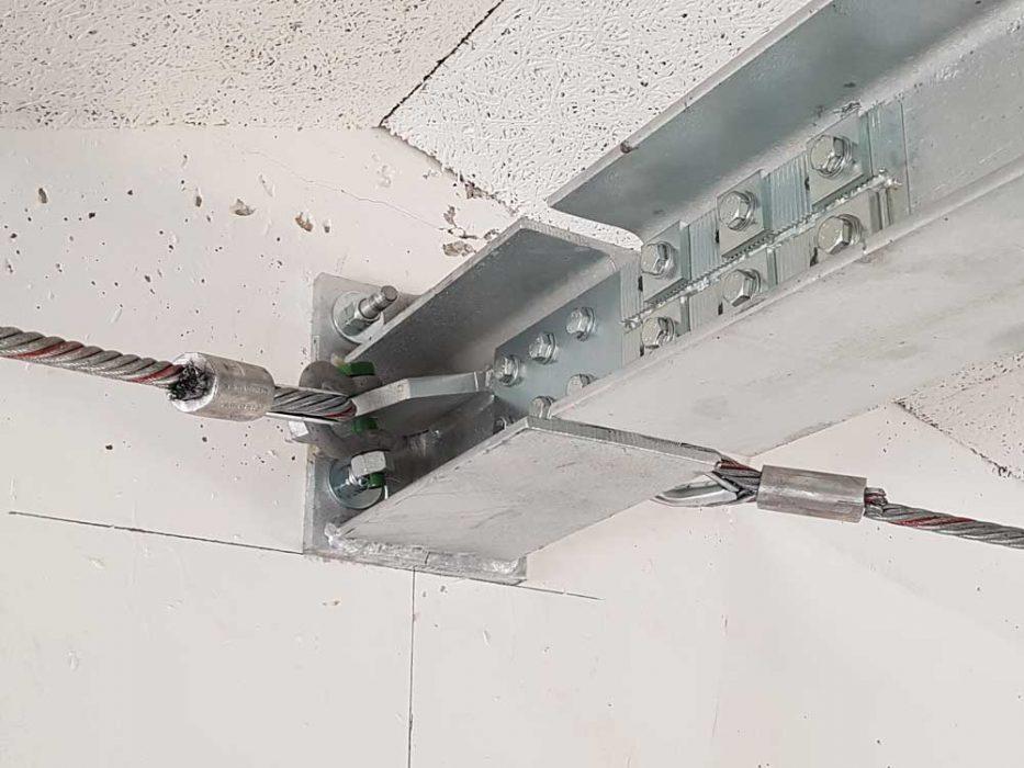 Sistema di controventi di falda realizzato tramite putrelle in acciaio e tiranti in funi d'acciaio